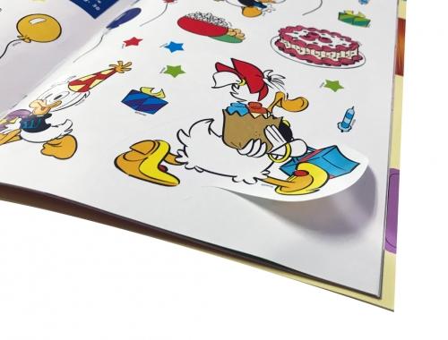Stampa di riviste con Stickers fustellati